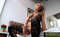 Shemale Camille Andrade pleasing herself