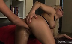 Luscious blonde girl is hungry for pussy fisting