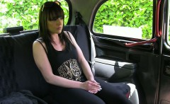 Amateur passenger drilled in the backseat of a taxi