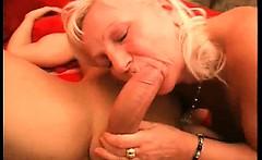 Sexy redhead mature slut with big ass gets her wet twat