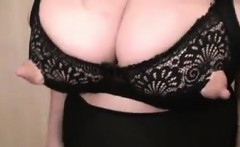 Amateur Woman With Saggy Breasts