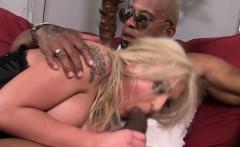 Femdom Leya Falcon licked