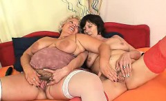 Plump blondie mamma gets her cooter drilled by other mama