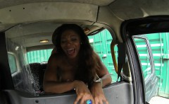 busty ebony pussylicked and fucked in a cab
