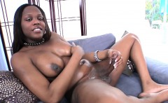 Amateur black tranny squirts her sticky load