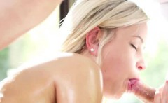 Blonde Amateur Gives Amazing Blowjob On Massage Table