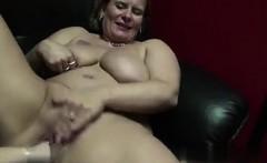 une grosse salope belge se branle dans u   fucked her on bbw