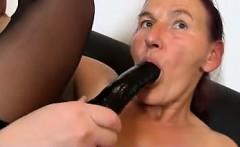 Fuck from MILF-MEET.COM - Granny Linda old hairy pussy sprea