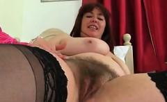 British mum Janey fucks her hairy pussy - Fuck me at MILF-M