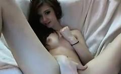 Sweet Cam Girl Rubs Her Pussy