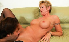 Slutty aged lady spread legs to get deeply penetrated