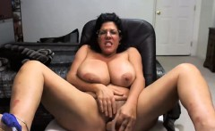 Huge Tits Play