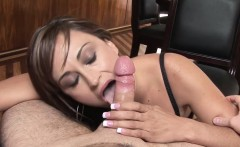 Sexy Housewife Bella Has A Nice Surprise