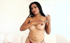 Gorgeous tranny Evelyn Borso satisfies her sexual urge