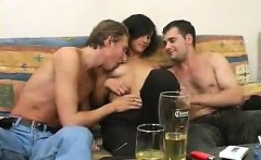 Dual beating of the black-haired girls sensitive vagina