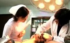 Two wild Oriental ladies seize the chance to feed their lus