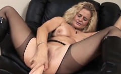 Hot pornstar dildo and cumshot