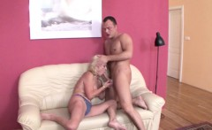 He Seduce Best Friends Mom To Fuck and lost Virgin