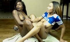 Hot ebony girl fingering sweet bisty lesbian pussy in hd