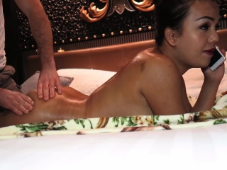 Thai Shemale Amy Gives A Blowjob