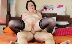 curvy mature has her itch scratched good