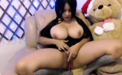 Amateur chubby latina camgirl with huge natural tits