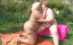 Dirty obese brunette woman gets moist