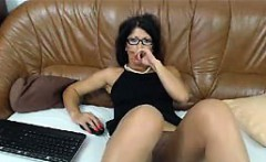 Hot Mature babe dildos ass and rubs her pussy