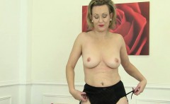 Betsy Blue Uses a Golden Vibrator on Her Mature Pussy