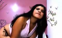 Desi hot Baroda wife komal chatting with boyfriend on skype