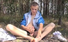 Athletic stud sniffs his sneakers and sucks his smooth toes