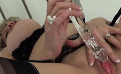 Adulterous british mature lady sonia displays her heavy boob