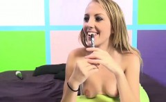 Young Jenna rides a mature meat pole