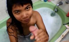 Bathtub Creamthroat Throatpie with Thai Teen Heather Deep