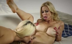 Blonde Milf Alexis And Teen Xandra Lick Pussies
