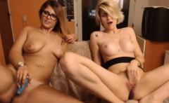 Hottie Amateur Webslut Puts On A Sexy Cam Tease