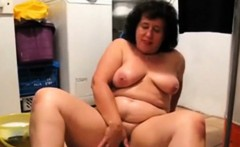 OmaFotzE Chubby Granny Playing While Tiding Up