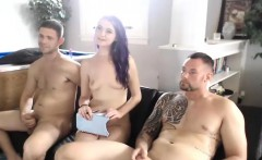 Amateur FMM threesome with double blowjob