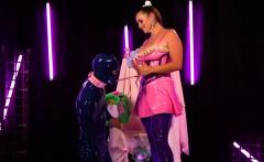 Kink Bitch Flogging Her Slave