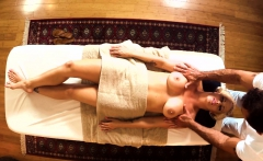 Amateur MILF massaged and pussyfucked