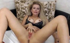 Stuning Blonde Babe Fucks Pussy And Ass