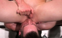 Homo anal fist and technique fisting gay male Axel Abysse an
