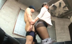 Wanting Wench Gets Wet An Crazy To Sit On Some Hard Cock