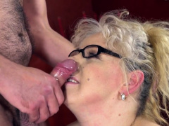 Pussy Eaten Mature Woman Gets Facialized