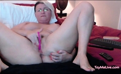 PAWG MILF CANT TAKE REMOTE TOY INSIDE PUSSY