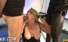 Fellow is feeding spunk flow into concupiscent babes' mouths
